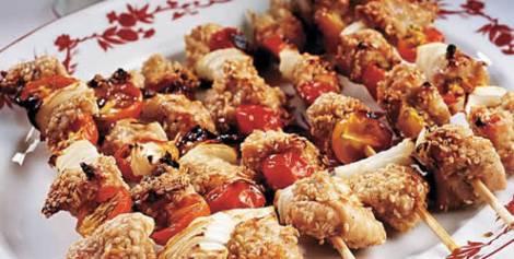 receita-espetinho-frango-gergelim